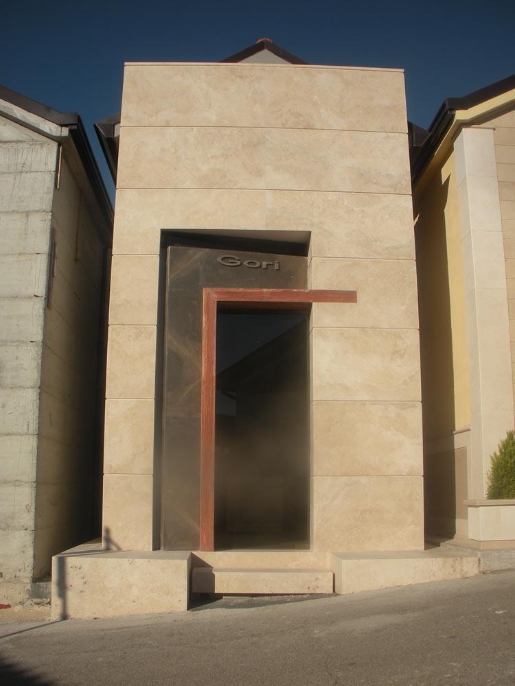 Nuova cappella gentilizia nel Civico Cimitero del Comune di Alatri (FR)